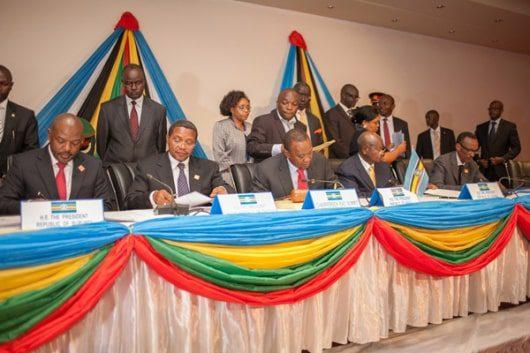 President Uhuru Kenyatta with his Eastern African counterparts, President Pierre Nkurunziza, President Jakaya Kikwete, President Yoweri Museveni and President Paul Kagame.