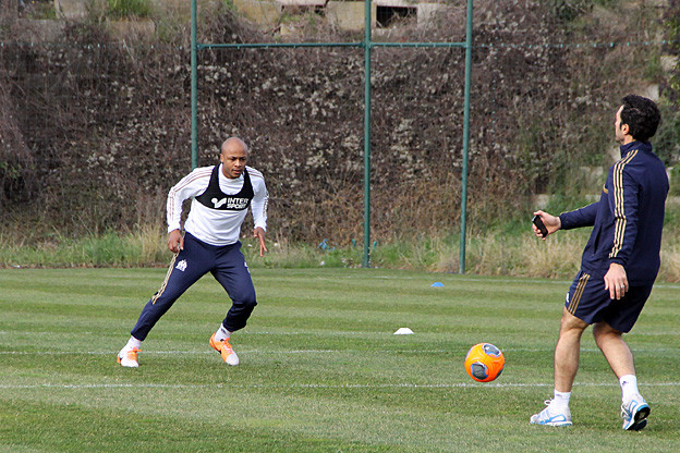 Wpid Andre Ayew Training With Marseille Team Mate