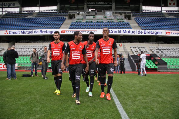 Wpid John Boye Middle Sat On The Rennes Bench On Saturday Night