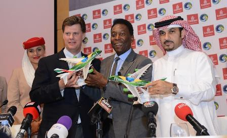 Sheikh Majid Al Mualla, Emirates? Divisional Senior Vice President, Commercial Operations, Centre with New York Cosmos Chairman Seamus O?Brien and Pel? after announcing a two year extension to the airline?s sponsorship of the club