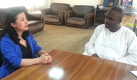 Ambassador Baohong held discussions with Dr. Omane Boamah in Accra