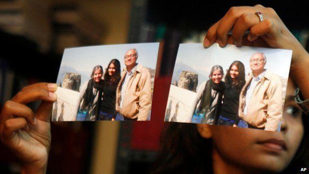 Daughter of passenger Chandrika Sharma shows family photo ?