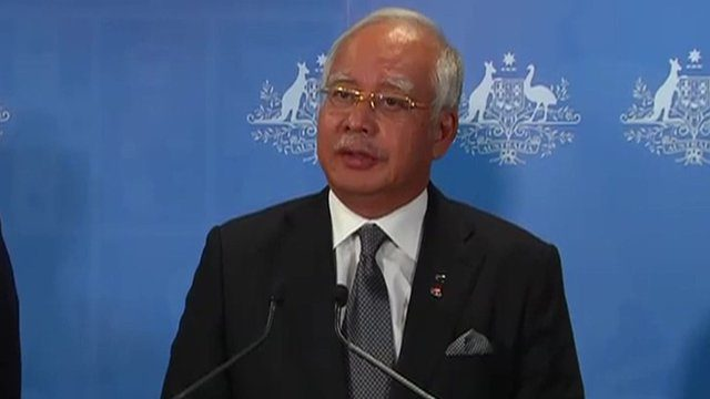 Malaysian Prime Minister Najib Razak pays tribute to search teams