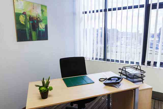 Regus Offers Ghana Workers Free Flexible Workspace to Lessen the Environmental Impact of Long Commutes