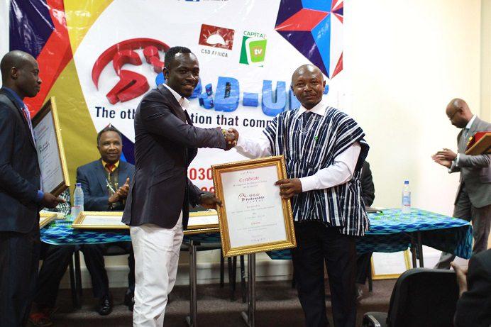 Okyeame Kwame Receives Award