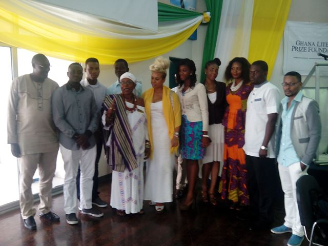 Mama Africa (middle) and other members of the Prize Foundation.