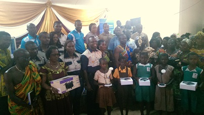 Group picture of beneficiaries at the event