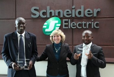 Adedeji Ademigbuji, senior correspondent at The Nation newspaper (Nigeria) and Tracy Garner, Global Anti-counterfeiting Manager at Schneider Electri