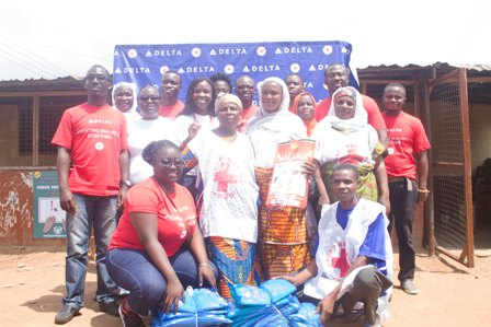 Delta Air Lines pix - Volunteers with Red Cross Team