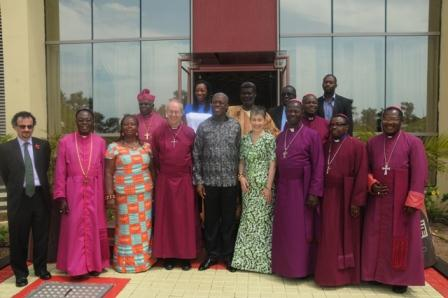 Vice President Amissah-Arthur in a group photo with the Anglican Delegation that called on him at the Flagstaff House.
