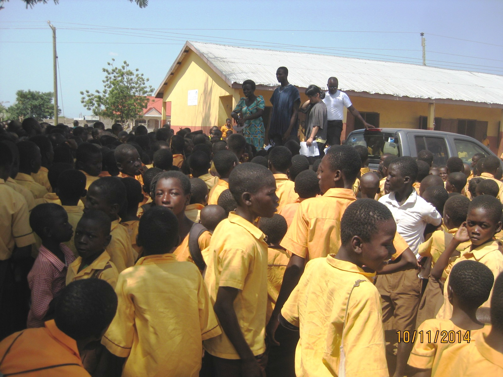 Mr Raphael McClare Asomey, Projects Officer of Savana Signatures with some personnel from the Ministry of Education and the Ghana Health Service educating the children on the Ebola disease at Savelugu