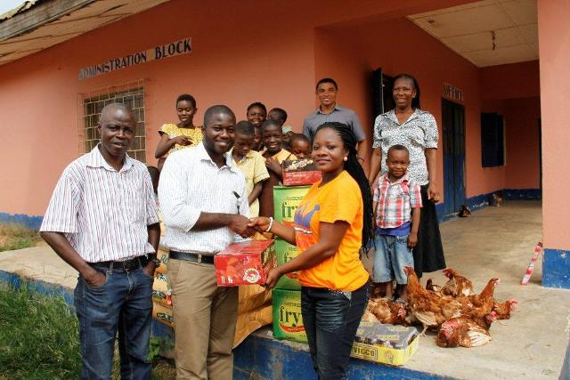 Mr. Edmund Oduro presenting the items to Adullam Orphanage