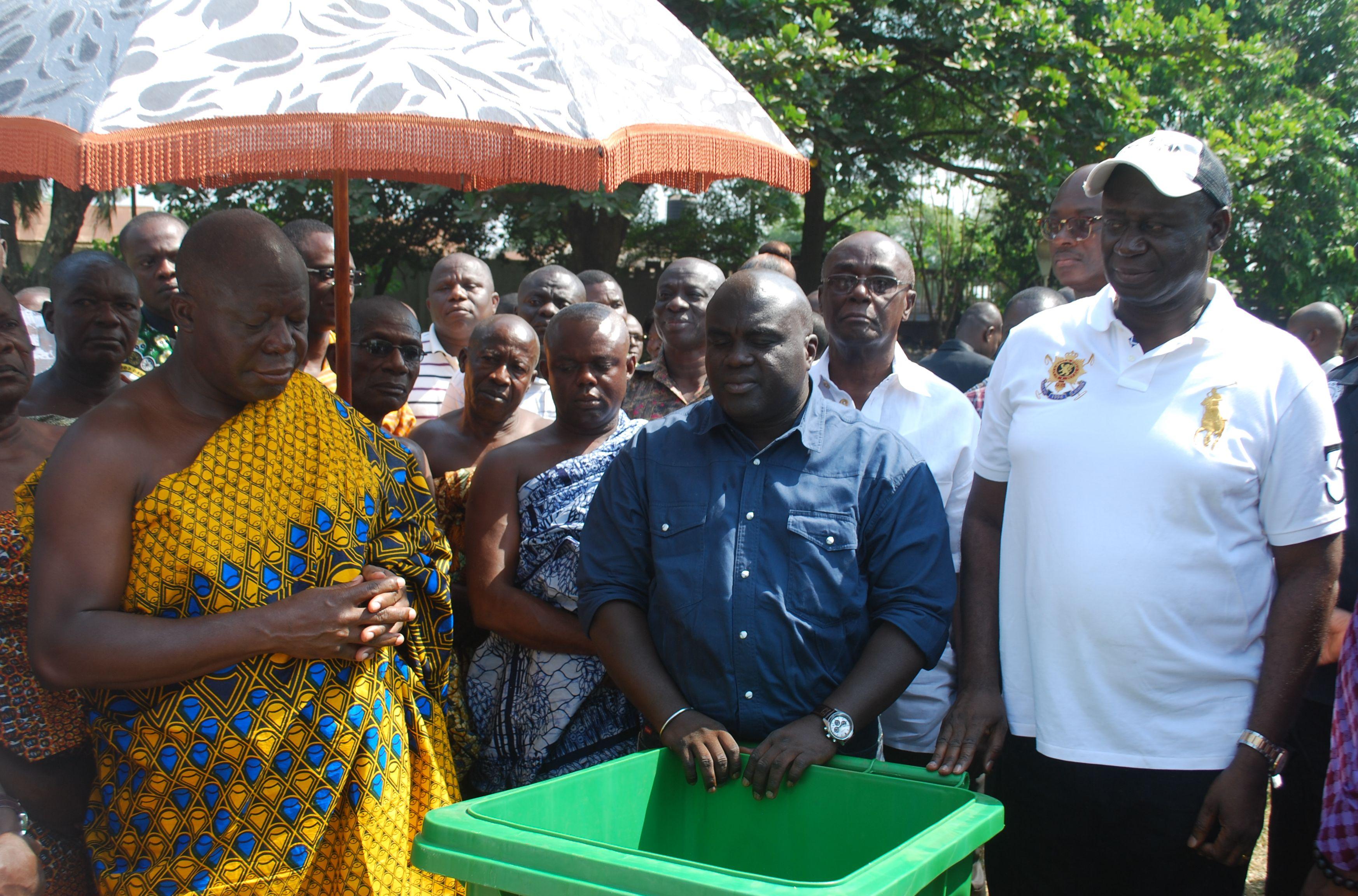 Minister's presentation to Otumfuor Osei Tutu II