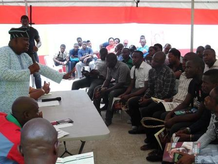 Yayi meet with students