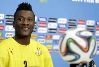 Asamoah Gyan has returned to Ghana?s starting line-up to face Algeria