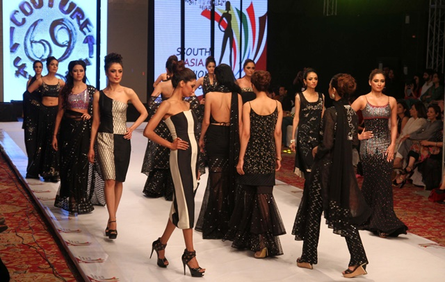 Models present creations by designer Huma Adnan during the South Asian fashion week in southern Pakistani port city of Karachi, March 10, 2015. (Xinhua/Arshad)