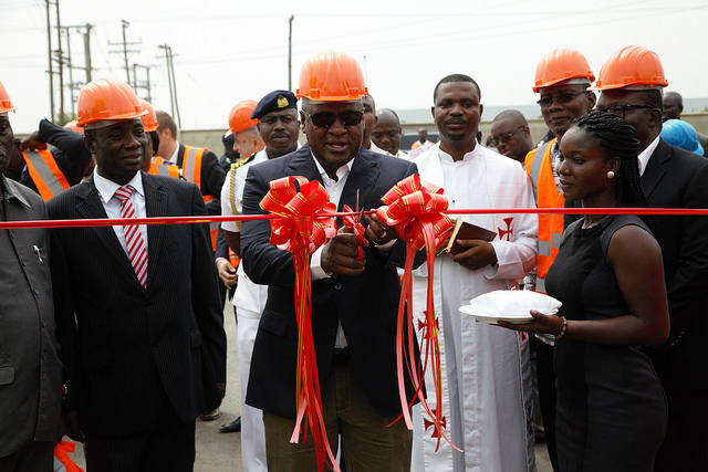 President Mahama cutting the tape to commission the substation