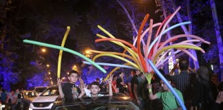 Iranians celebrate the nuclear agreement in Tehran, Iran on July 14, 2015. The nuclear deal between Iran and the world powers will open a new chapter in the relations between Iran and the International community, Iran's President Hassan Rouhani said Tuesday. (Xinhua/Ahmad Halabisaz)