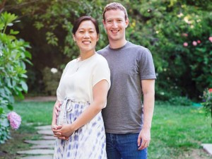 Mark Zuckerberg and a pregnant Priscilla Chan.