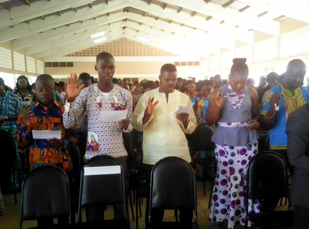 New students taking the matriculation Oath