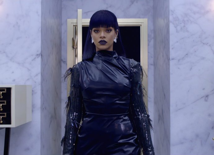 rihanna-opens-room-7-of-antidiary.jpg