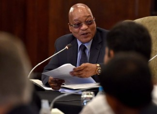 South African President Jacob Zuma hosts the Presidential Investor Luncheon and World Economic Forum review in Cape Town, South Africa, on Feb. 9, 2016. South African President Jacob Zuma said on Tuesday the government and business alike should work to ensure that investment should not be allowed to slow down in difficult times. (Xinhua/DOC/Elmond Jiyane)