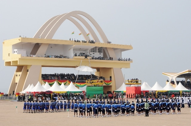 Students from Accra await President John Dramani Mahama's presence during Ghana's 59 Independence Day celebration at the Independence Square in Accra, capital of Ghana, March 6, 2016. British colony Gold Coast declared her independence on March 6, 1957 and renamed herself Ghana. (Xinhua/Lin Xiaowei)