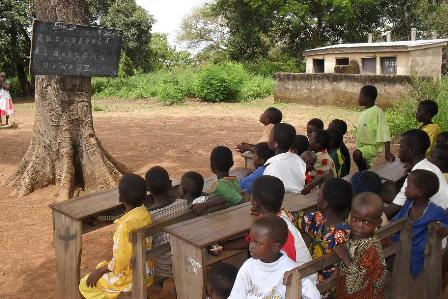 Contemplating End Of World >> Fight Over Schools Under Trees Between Government And Opposition Must End | News Ghana