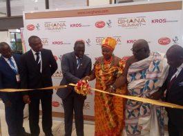 Mr Emmanuel Armah-Kofi Buah (3rd left) cutting the tape to formally launch the Ghana Summit