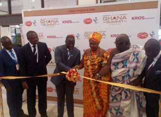 Mr Emmanuel Armah-Kofi Buah (3rd left) cutting the tape to formally launch the Ghana Summit