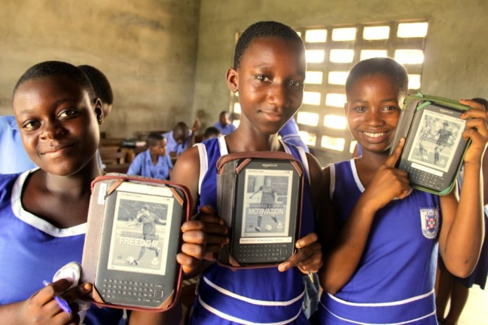 School children with the electronic readers.