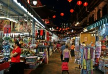 night-market-in-chinatown-singapore
