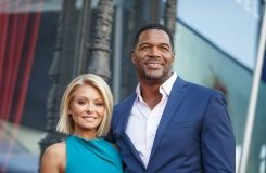 Getty/AFP/File / Mark Davis Television hosts Kelly Ripa (L) and Michael Strahan at the Hollywood Walk of Fame