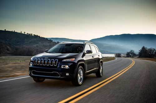 Chrysler will recall 13,676 imported vehicles on the Chinese mainland due to defective windshield wipers. [File photo]