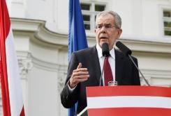 AFP / Dieter Nagl The green candidate for Austrian Presidency Alexander Van der Bellen addresses a press conference in Vienna, Austria on May 23, 2016