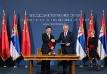 Chinese President Xi Jinping (L) and Serbian President Tomislav Nikolic attend a signing ceremony for a joint statement to lift bilateral relationship of China and Serbia to comprehensive strategic partnership after they held talks in Belgrade, Serbia, June 18, 2016. (Xinhua/Li Tao)