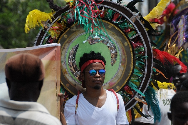 An artist takes part in the opening parade of the three-day Ghana Carnival 2016 in Accra, Ghana, on July 1, 2016.  Ghana Carnival 2016 started on Friday with colorful events including beach party, poetry recitals, live paintings and band display while countries like Seychelles, Togo, Trinidad and Tobago and Nigeria will participate. (Xinhua/Lin Xiaowei)
