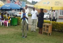 Both the NYC coordinator UWANYIRIGIRA Clarisse and Global communities` representative while addressing the public