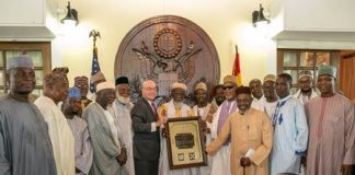 U.S. Ambassador Robert P.Jackson and the National Chief Imam with Muslim Community Leaders at thePresentation of the 2016 Martin Luther King, Jr. Award