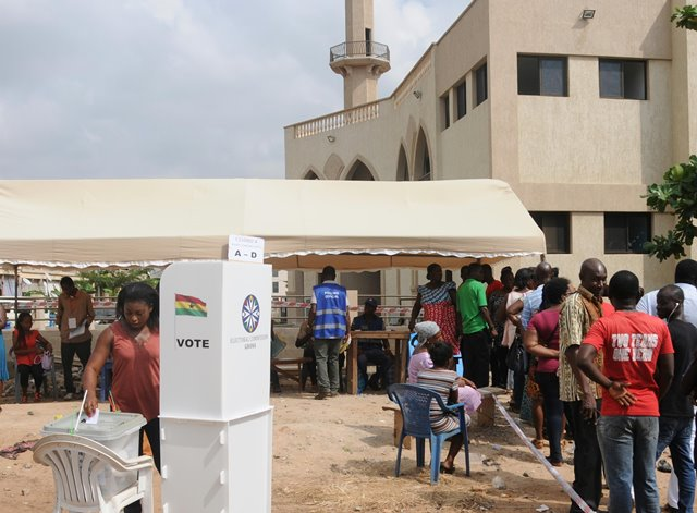 A voter casts her ballot in Accra, Ghana, on Dec. 7, 2016. Ghana's general elections began from 7 a.m. (0700 GMT) on Wednesday, with more than 15 million registered voters casting their ballots at 29,000 polling stations across the country. (Xinhua/Shi Song)(gl)