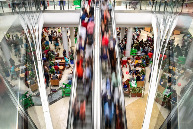 People visit the Mall of Africa in Midrand, near Johannesburg, South Africa, on April 28, 2016. (Xinhua/Zhai Jianlan) (zw)