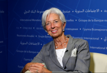 IMF Managing Director Christine Lagarde accepted an exclusive interview with People's daily during IMF/World Bank annual meetings in Washington D.C. on Thursday (Photo by Gao shi from People's daily)