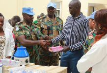 Ghanaian peacekeepers donate medical supplies to Bentiu hospital