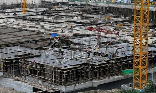 Workers at a construction site in Fuzhou, capital of East China's Fujian Province in March Photo: VCG