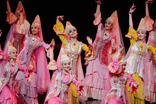 Kazakhstan dancers perform Arular on Friday. Photo: Li Hao/GT