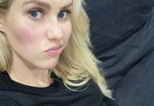 Claire Holt shows off baby bump (c) Instagram