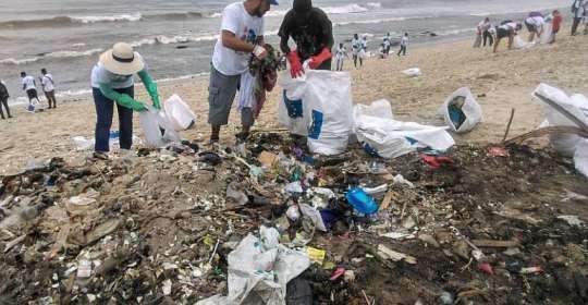 eu beach cleanup