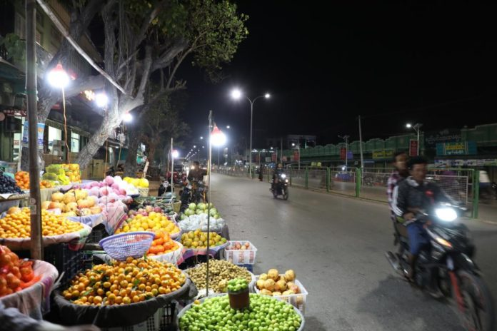 Photo shows a night fair in Shwebo, Myanmar. Photo by Sun Guangyong from People's Daily