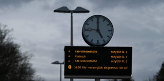 """A sign in Oberelsungen, Hesse reads that train traffic is """"provisionally suspended"""" on Sunday afternoon. Photo: DPA"""
